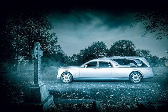 หรูครั้งสุดท้าย! กับรถ′โรลส์รอยซ์′สำหรับพิธีศพ!