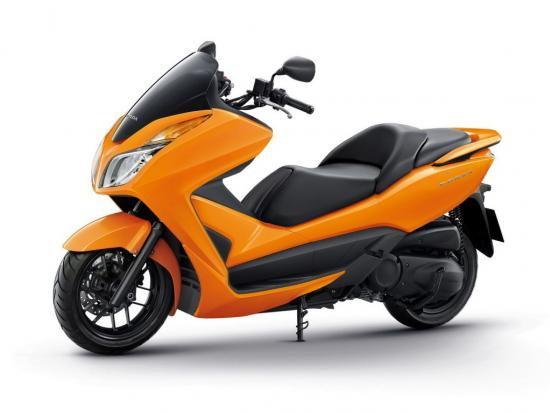 เอ.พี.ฮอนด้า ส่ง New Forza 300 สีใหม่ ลงตลาดพร้อมเปิดราคา 1.59 แสนบาท