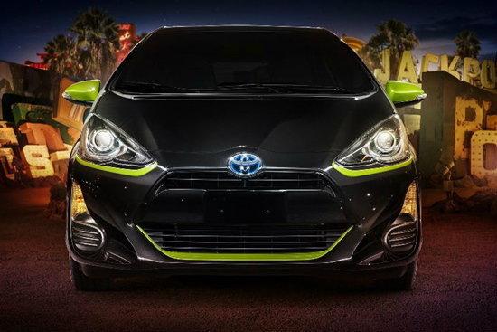 สดใสวัยรุ่นชอบ! Toyota Prius C Persona 2016 แต่งล้ำ เติมสีสันเด็ดสุดๆ