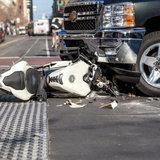 สาเหตุใดที่ทำให้ผู้ขับขี่จักรยานยนต์เสียชีวิตจากอุบัติเหตุมากที่สุด?