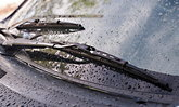 ที่ปัดน้ำฝนเสียงดัง สาเหตุเกิดขึ้นจากอะไร