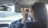 5 พฤติกรรมอันตรายของผู้หญิงขณะขับรถ