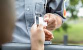 ยืนยันล้านเปอร์เซ็นต์! ผู้ขับขี่สามารถแสดงใบอนุญาตขับรถรูปแบบที่มี QR Code ได้