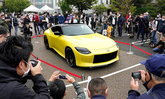 ขวัญใจแฟนๆ! Nissan Z Proto โผล่โชว์ตัวครั้งแรกกลางกรุงโตเกียว (คลิป)
