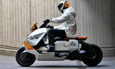 BMW Definition CE 04 สกู๊ตเตอร์ไฟฟ้า 100% เตรียมวางขายจริงปลายปี 2021 นี้