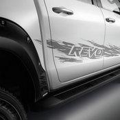 เพิ่มความแรงให้ Toyota Hilux Revo ด้วยชุดแต่งพิเศษพันธุ์ดุ