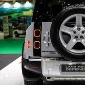 มอเตอร์โชว์ 2020 : แวะชมคันจริง Land Rover Defender ขวัญใจสายออฟโรด