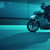 Ducati Panigale V4S ในมิวสิกวิดีโอ LALISA