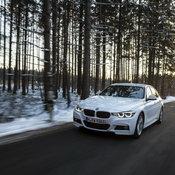 BMW_330e_PHEV_02