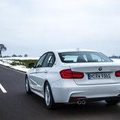 BMW_330e_PHEV_01