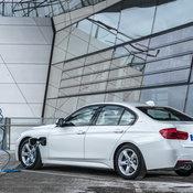 BMW_330e_PHEV_06