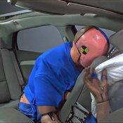 ผู้โดยสารหลังไม่คาดเข็มขัดนิรภัย