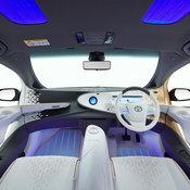 Toyota LQ Concept เมื่อรถยนต์ไฟฟ้าต้นแบบอ่านใจคนขับได้