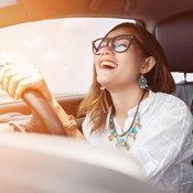 """""""ผู้หญิงขับรถได้ดีกว่าผู้ชาย"""" ผลจากสถิติที่ย้อนแย้งทุกความเชื่อ"""