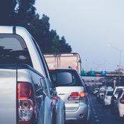 8 วิธีเตรียมความพร้อมก่อนขับรถทางไกลในช่วงเทศกาลปีใหม่