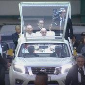 """Nissan Navara NP300 กระบะในบทบาทรถยนต์พระที่นั่ง """"พระสันตะปาปาฟรังซิส"""""""