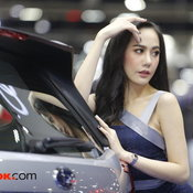 Motor Expo 2019: เปิดไหล่ใจสะท้าน! รวมภาพความขาวเนียนสาวๆ พริตตี้ (EP.1)