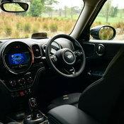 MINI Cooper S Countryman Hightrim คลาสสิคเหมือนเดิม เพิ่มเติมคือระบบเกียร์ใหม่