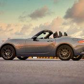 เผยโฉมคันสวย Mazda MX-5 R-Sport รุ่นพิเศษจำนวนจำกัด เริ่มต้น 1.1 ล้านบาท