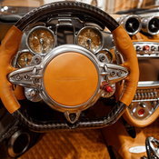 Pagani Huayra Roadster 2017 เสริมความหล่อหรู คาดค่าตัวเกิน 63 ล้านบาท