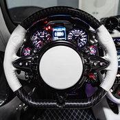 รถแบทแมน! Pagani Huayra Roadster ไฮเปอร์คาร์วิ่งได้จริงบนท้องถนน
