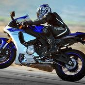 2015-Yamaha-YZF-R1-15_resize