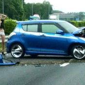 รถชนจนผ้าหลุด?