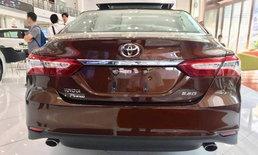 Toyota Camry 2018 โมเดลเชนจ์ใหม่ส่งตรงจากโชว์รูมประเทศจีน