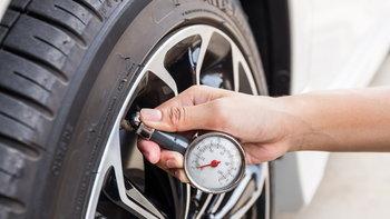 ลมยางรถยนต์ควรเติมเท่าไหร่จึงจะดีที่สุด?