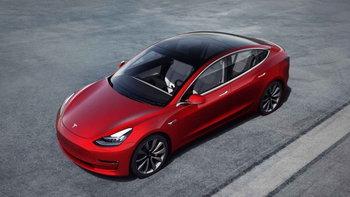 ไม่รอด! โจรถูกขังไว้ใน Tesla Model 3 หลังเจ้าของรถใช้สมาร์ตโฟนล็อกประตู