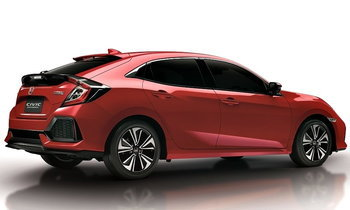Honda Civic Hatchback 2018 สีแดง Rallye Red ใหม่ เตรียมเปิดตัวที่งานมอเตอร์โชว์