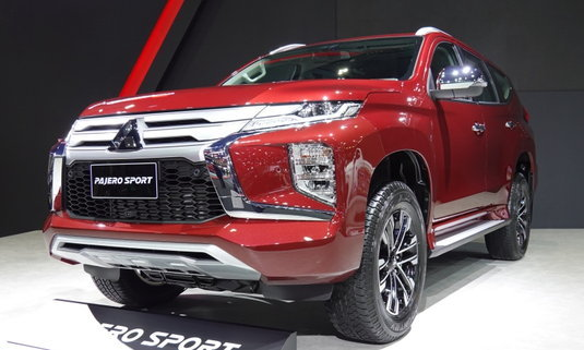 Mitsubishi Pajero Sport 2021 ใหม่ เพิ่มตัวถังสีแดง Medium Red เผยโฉมที่มอเตอร์โชว์