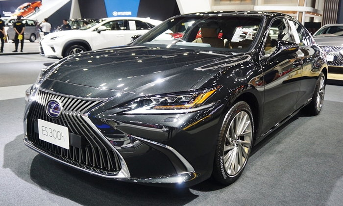 Lexus ES300h 2019 ใหม่ เคาะราคาจำหน่าย 3.59 ล้านบาทที่งานมอเตอร์เอ็กซ์โป