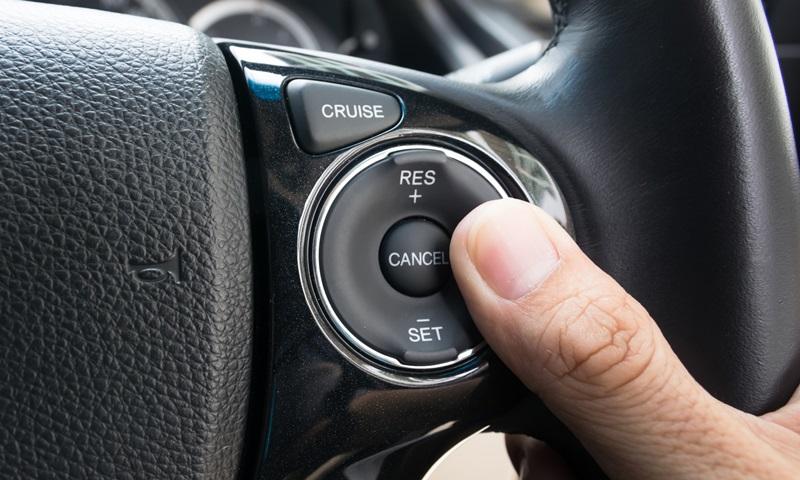 """Cruise Control"""" ใช้ให้เป็นช่วยประหยัดน้ำมันได้"""