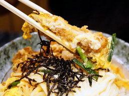 ร้านอาหารชั้นนำหลายร้านคิดค้นเมนูสุดอร่อยจากหมูดำ คูโรบูตะให้เราได้ไปลิ้มลองในราคาสุดคุ้ม ดังนั้นคนรักหมูดำห้ามพลาดครัช by ChingCanCook
