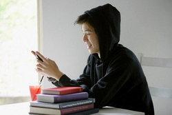 วัยรุ่นจีนใช้มือถือเชื่อมต่อเน็ตมากกว่าคอมพิวเตอร์