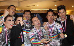 ทีม RAINBOWS มกค. เจ๋ง!คว้าแชมป์Cheerleading 2010 ที่มาเลเซีย
