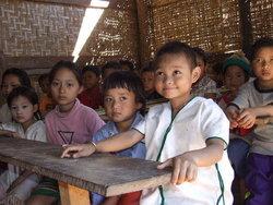 ชีวิตเด็กไร้สัญชาติในเมืองไทย