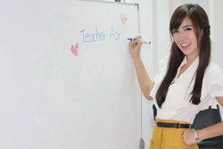 ครูอ๋อ ศศิวิมล ครูสอนภาษาอังกฤษคนสวย ฮอตมากในโลกออนไลน์