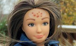 """""""แลมมิลี่"""" ตุ๊กตาหน้าตาบ้านๆ เธอจะเป็น′คู่แข่ง′ของตุ๊กตาบาร์บี้ได้มั้ย?"""