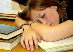 9 วิธีรับประทานอาหารไม่ให้ง่วง เพื่อเตรียมตัวอ่านหนังสือ