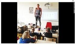 ฮือฮา! ครูสาวสุดทุ่ม ตัดชุดบอดี้สูททั้งตัวสกรีนภาพเหมือนอวัยวะภายในร่างกายสอนวิชากายวิภาค