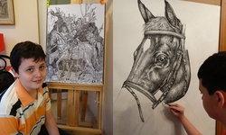 อัจฉริยะด้านศิลปะ ศิลปินเด็กวัย 15 ปี วาดรูปสัตว์เพียงแค่ใช้ความจำ