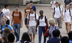 มหาวิทยาลัยสหรัฐฯ หลายแห่งปิดตัวหลังแบกค่าใช้จ่ายเพิ่ม - นักศึกษาหด