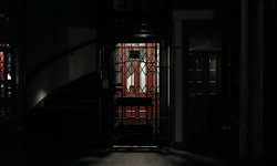 """เรื่องสยองในมหาวิทยาลัย """"ตำนานลิฟต์แดง"""" แห่งมหาวิทยาลัยธรรมศาสตร์"""