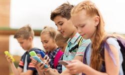 """กฎหมายใหม่เพื่อให้เด็กตั้งใจเรียน """"ฝรั่งเศสแบนสมาร์ทโฟนในเวลาเรียน"""""""