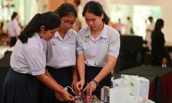 """ส่องความสามารถเด็กไทย """"โครงการประกวดโครงงานวิทยาศาสตร์"""" จากปฏิบัติการทดลองเคมีแบบย่อส่วน"""