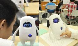 """ญี่ปุ่น """"ใช้หุ่นยนต์ AI สอนภาษาอังกฤษ"""" ในโรงเรียน แบบนี้เรียกล้ำไปแล้ว!"""
