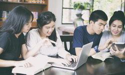 "The  21st Century Skills  ""ทักษะสำคัญ ก้าวทันโลกอนาคต"""