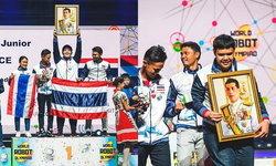 """ธงไทยปลิวสะบัด เด็กไทยที่ 1 ในโลก คว้ารางวัล """"โอลิมปิกหุ่นยนต์ 2562"""""""